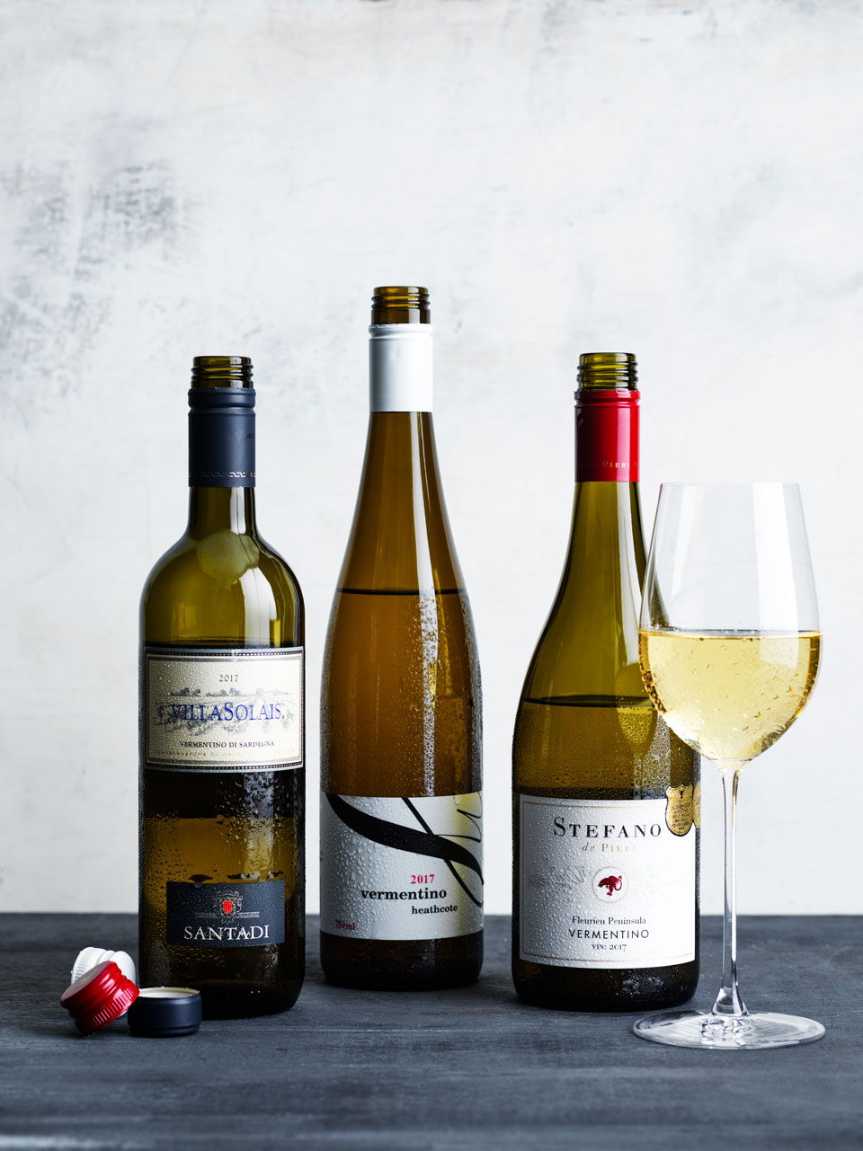 Arneis and vermentino share fruit-bearing characters.