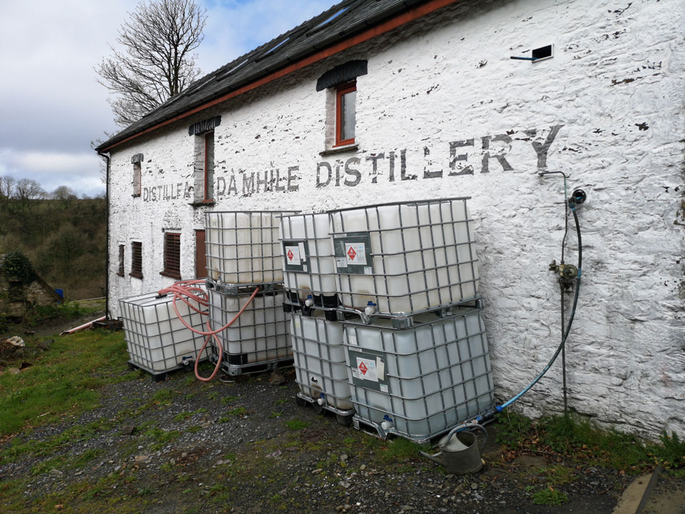 The Dà Mhìle distllery.